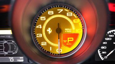 Ferrari 458 Speciale tach