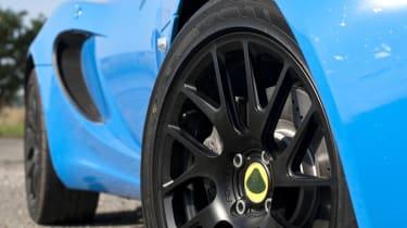Lotus Elise S Club Racer black alloy wheel