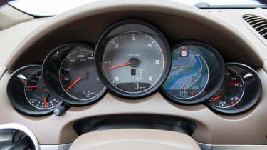 2013 Porsche Cayenne S Diesel dials