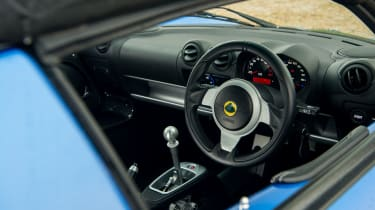 Lotus Elise Sport 220 - Steering wheel
