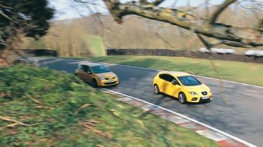 Renaultsport Megane R26 vs SEAT Leon Cupra