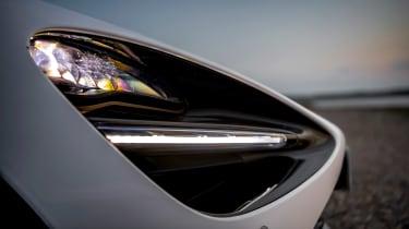 McLaren 720S Spider v Porsche 911 Turbo S Cab – 720 lighting