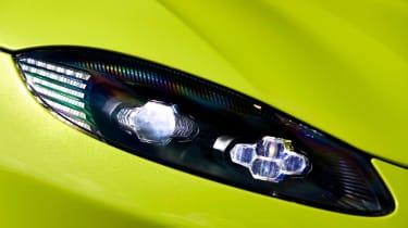 evo exclusive Aston Martin Vantage - green headlight