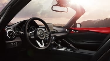 Mazda 2018 MX-5 - interior