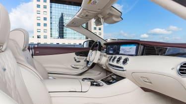 Mercedes S 560 cabriolet - interior