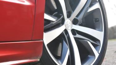 2013 Peugeot RCZ THP 200 GT Technical alloy wheel