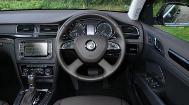 Skoda Superb V6 Laurin & Klement interior dashboard
