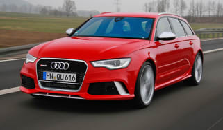 2013 Audi RS6 Avant red