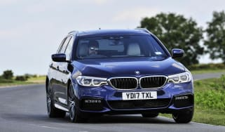 BMW 530d xDrive Touring cornering