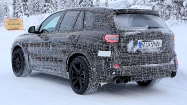 BMW X5 M spies – rear quarter