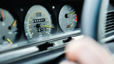 Mercedes-Benz 190E 2.5-16 - Dials