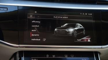 Audi A8 - top screen closeup