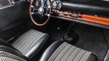 Porsche 911 barn - interior