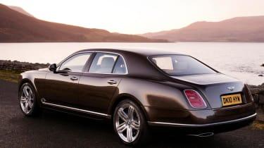 Bentley Mulsanne rear track