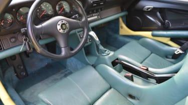 Porsche 911 GT1 Strassenversion green leather interior