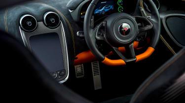 McLaren 570 GT Sportpack – steering wheel