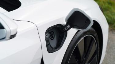 Audi e-tron GT quattro – plug
