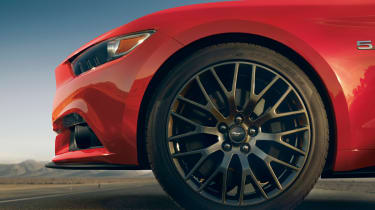 2014 Ford Mustang wheel