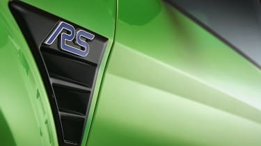 Ford Focus RS Mk2 – front wing closeup