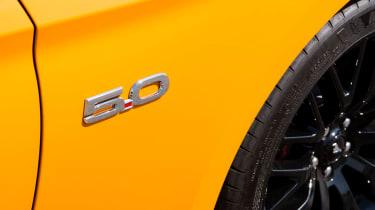 Ford Mustang 5.0 V8 GT - badge