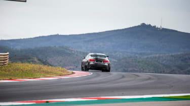 Jaguar XE SV Project 8 - turninhg