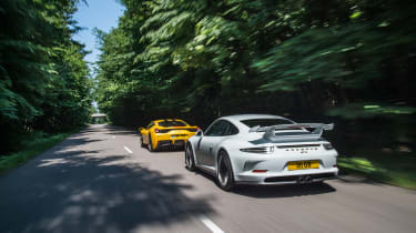 Ferrari 458 Speciale and 911 GT3 - rear tracking