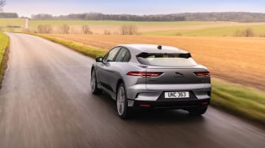 Jaguar I Pace – rear tracking