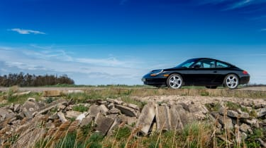 Affordable 911s – Porsche  911 Carrera (996)