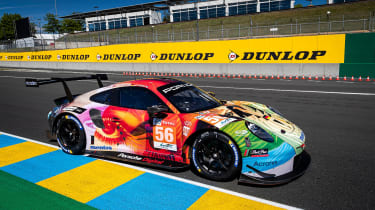 Porsche-approved online livery design service