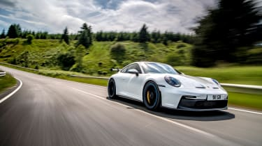 992 GT3 group test – 911 tracking