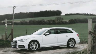 Audi A4 Avant - side
