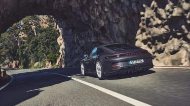 Porsche 911 GT3 Touring – header