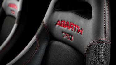 Abarth 595 Esseesse seat