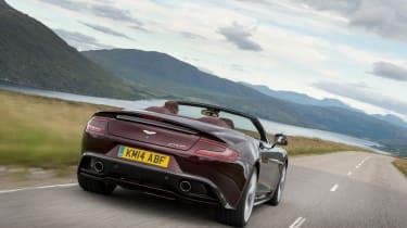 Aston Martin Vanquish Volante 2015