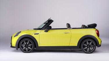 Mini Cooper Cab 2021 - side