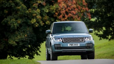 MY18 Range Rover - nose driving