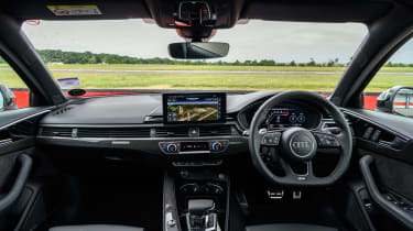 Audi RS4 – dash