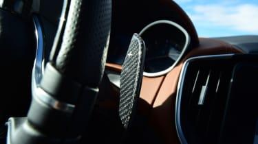 Maserati Ghibli S – paddle shifters
