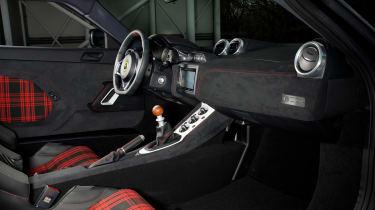 James Bond Lotus Evora Sport 410 - interior