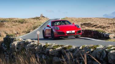 Porsche 911 Carrera 991.2 – cornering