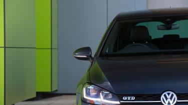2017 Volkswagen Golf GTD - Headlight