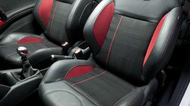 Peugeot 208 GTI sports seat