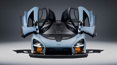 McLaren Senna – front (doors up)