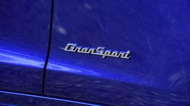 Maserati Ghibli S – Maserati badge