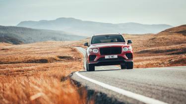 Bentley Bentayga S – nose