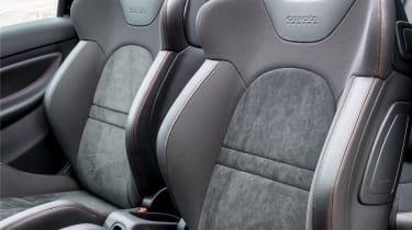 Citroen DS3 Cabrio Racing sports seat