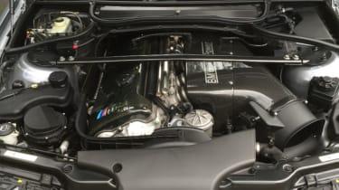 BMW M3 CSL – engine