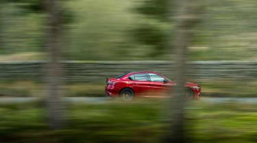 Alfa Romeo Giulia Quadrifoglio review LCI – pan
