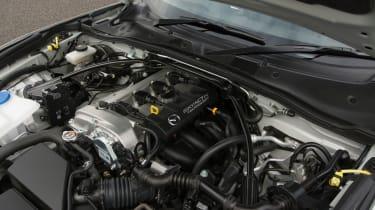 Mazda MX-5 Sport Recaro - Engine