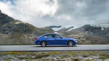 BMW 3-series G20 revealed - M Sport profile